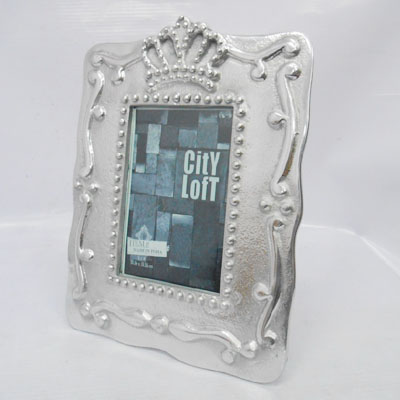 Aluminum Crown Photo Frame